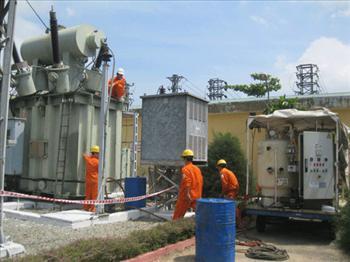Sửa chữa thay dầu OLTC trạm 110KV Trà Vinh
